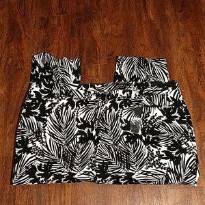 Lane Bryant NWT Black White Floral Crop Pants 28W